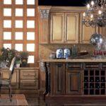 Кухня Creta с фасадами из ценных пород древесины с ручной резьбой, Jumbo collection